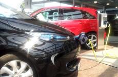 Ein Herz für E-Autos, auch ohne Stern: Mercedes-Benz in Mainz