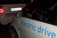 Zwei Car2go Smarties in der Stuttgarter Nacht (CC BY)